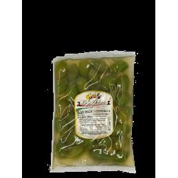 Schöne riesige grüne Cerignola Olive in der Tasche